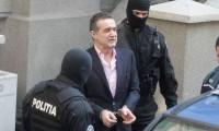 Gigi Becali s-a cazat la penitenciarul Rahova. Plăteşte pentru un schimb de terenuri cu Armata de acum două decenii