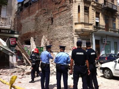 Pericol în Centrul Vechi: o clădire s-a prăbuşit
