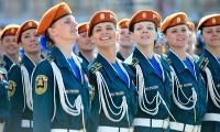 Sondaj inedit: Româncele, cele mai frumoase femei soldat din lume. GALERIE FOTO