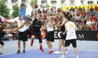 Ponta, la baschet şi Corlăţean, la fotbal. Ministerele care trebuiau să intervină în cazul accidentului din Muntenegru au reacţionat cu o întârziere
