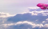 Zboruri low-cost la preţuri mari. Wizz Air măreşte taxa pentru bagajele de mână fără să anunţe. Românii din străinătate, primele victime