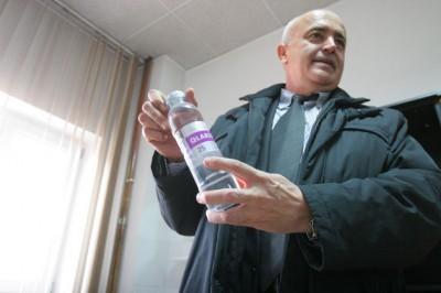 Apa vie tratează cancerul, stopează îmbătrânirea și crește potența. Beneficiile apei sărace în deuteriu