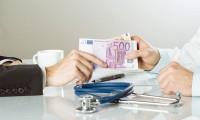 Efectul majorarii salariilor medicilor: Aceleasi conditii sau chiar mai proaste la stat, preturi mai mari la privat