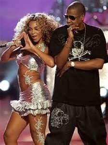 48758-Beyonce-illuminati-sign-jayz-0PAO