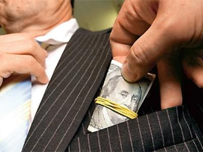 Elevii români, învăţaţi să nu cedeze corupţiei