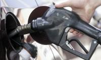 Preţurile carburanţilor, în aer. Cît va costa benzina în cazul unui conflict în Siria
