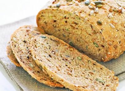 Consumam paine cu E-uri! Concluziile alarmante ale unui studiu referitor la produsele de panificaţie preferate de romani