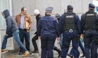 Şpăgi de mii de euro pentru vameşii de la Albiţa
