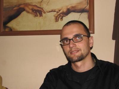 Oreste, catre Mircea Badea: 'Pui de turnător, te voi dezbrăca foaie cu foaie ca pe o ceapă'