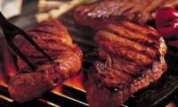 Vin Sărbătorile! Carne de porc, vită, vițel sau miel la grătar