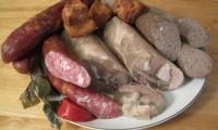 Vin Sărbătorile! Prelucrarea și prepararea produselor din carne de porc