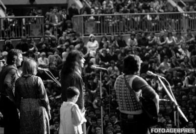 Cenaclul Flacara – sfarsitul sangeros al Woodstock-ului romanesc
