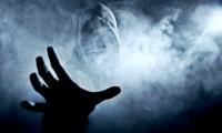 Terorizati de fantome: A trecut cartoful prin geam și geamul nu s-a spart