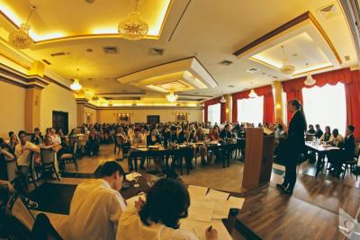 """Seminarii informative regionale adresate entităţilor interesate să depună proiecte în cadrul apelului """"Creşterea incluziunii şi abilitarea romilor"""""""