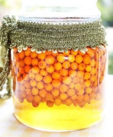 Nu o sa-ti vina sa crezi ce minuni produce cura de catina cu miere!
