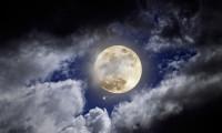 Pe Luna este apa, posibil suficient de multa cat pentru o colonie umana