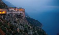 Dieta călugărilor de pe Muntele Athos, regimul care face minuni