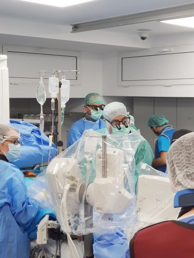 """Pacientă cu """"aortă de porțelan"""", aortă ascendentă integral calcificată, tratată minim – invaziv prin procedura TAVI Transapical"""