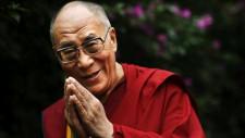 Dalai Lama te învață cum să fii împăcat cu tine însăți și cu cei din jur