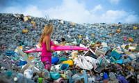 Insule turistice înecate, la propriu, în plastic