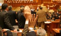 Proiect de lege, la un pas de adoptare: Părinții vor putea primi libere plătite și în vacanța de vară