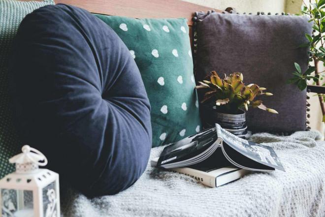 design interior cu perne decorative