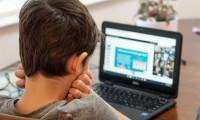 Afla de AICI 7 metode pentru a-l face pe cel mic sa iubeasca scoala online!