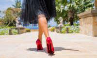 Ai o pereche de pantofi stiletto? Iată 5 ținute în care îi poți aborda cu succes