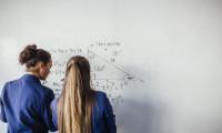Ziare.com: Studentii si studentele de la Cambridge au pozat nud. Cine a fost marea castigatoare