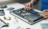 TU ALEGI contextul în care mergi la un service de reparații laptop