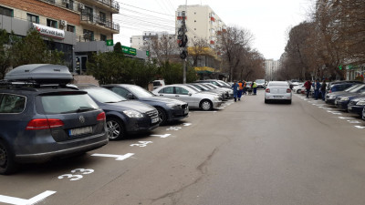 Se scumpesc locurile de parcare de resedinta in Bucuresti! Cat te va costa sa parchezi masina incepand cu anul viitor?