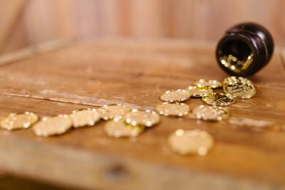 SOLSTIȚIUL DE VARĂ 2021: 21 iunie 2021, cea mai lungă zi din an! Care este ritualul de transformare a unei bijuterii din aur în talisman norocos