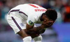 Arestati în Anglia pentru insulte rasiste online la adresa fotbaliștilor britanici care au ratat penalty-uri în finala EURO 2020